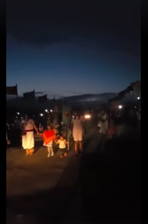 Danza Mexica arrives at the Sacred Stone Camp