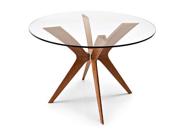 クリア色のガラスダイニングテーブル