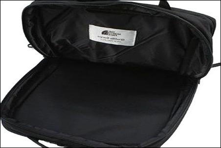 ザノースフェイス シャトルデイパック NM81602 K ブラック 黒 カラーバリエーション 配色 写真 画像 リュック リュックサック ザック バックパック ナップサック デイパック 人気 商品 コンパートメント 中央部分 オーガナイザー ポケット 間仕切り 中仕切り 仕切り 無し ファスナー ジッパー チャック 3列 広い 収納 能力 スペック