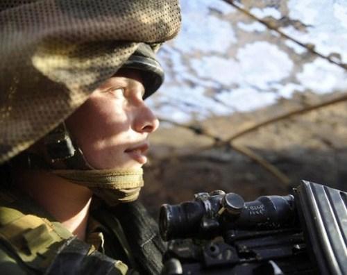 イスラエル軍の女性兵士110