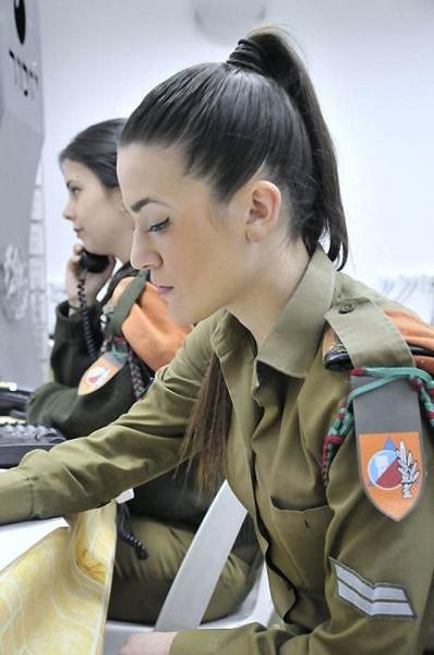 イスラエル軍の女性兵士122