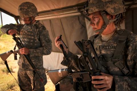イスラエル軍の女性兵士20