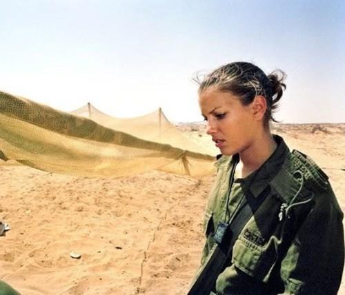 イスラエル軍の女性兵士96