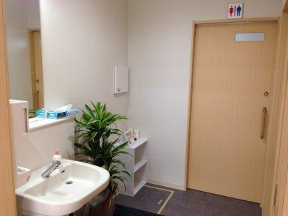 トイレは車椅子用と通常の2つあります