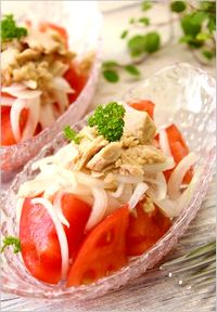 酢玉ねぎを使った簡単トマトサラダ