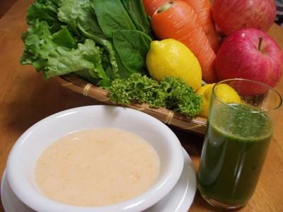 野菜ジュースと野菜スープ