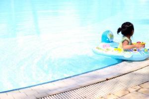 プール熱の症状とは?大人と子供の場合で違うのでしょうか?