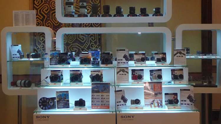 sony alpha showcase 1