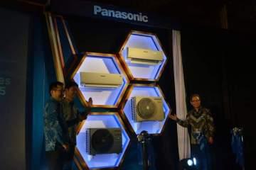 Panasonic R32