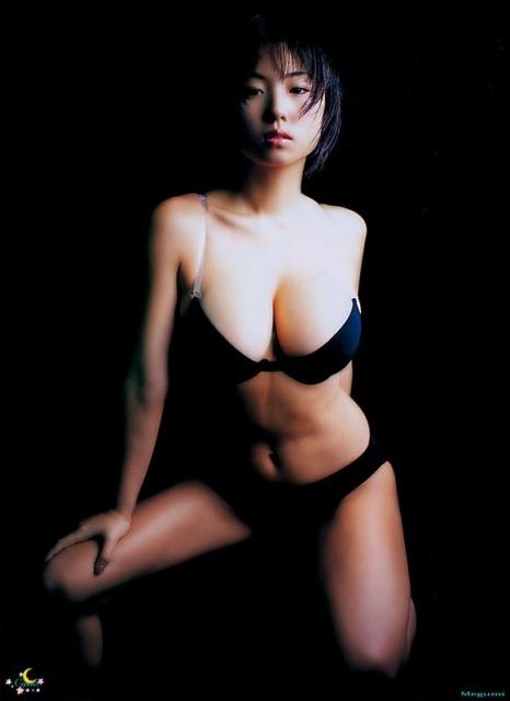 巨乳女性タレントのエッチな画像-266