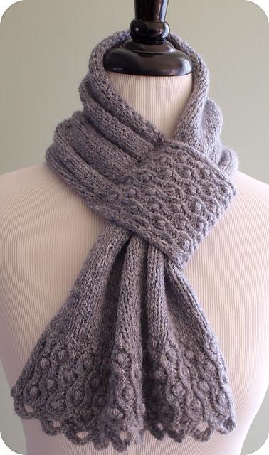 Drifted Pearls scarflette pattern