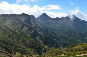 硫黄岳山頂より南八ヶ岳をのぞむ