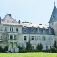 Authentic castle13th/18th/19th cent. close to Dole in the Jura region