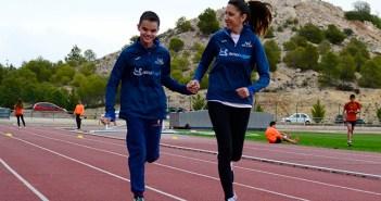 Blas, junto a su preparadora Mayte, entrenando en el Juan Palao / I. Azorín