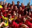 La plantilla Sub'17, celebrando la victoria ante Italia / rfef.es