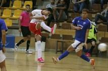 Elvis anota el primer gol del partido / Á. Ayala
