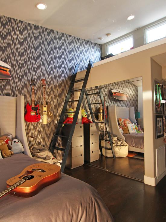Двухъярусная комната молодого музыканта