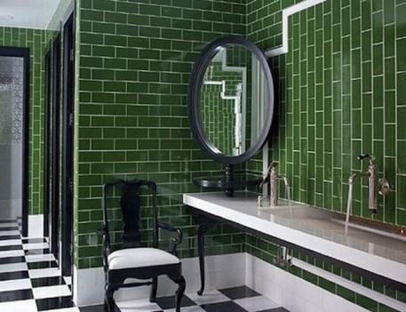 10-Dazzling-Pantone-Emerald-Green-Interior-Ideas-11