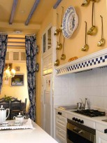 traditional-kitchen (1)