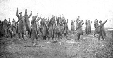 Soldados rusos se rinden en la Batalla de Tannenberg