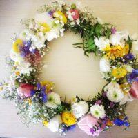 flower power pur und ein uraltes germanisches Ritual - Binde deinen DIY Blumenkranz für den Mitsommer oder deine Hochzeit!