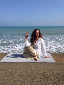 Carol_Beach_Pose_3