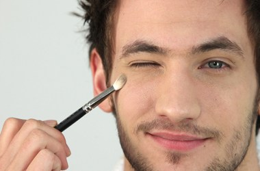 Cosmetic & Make up tips for Men!