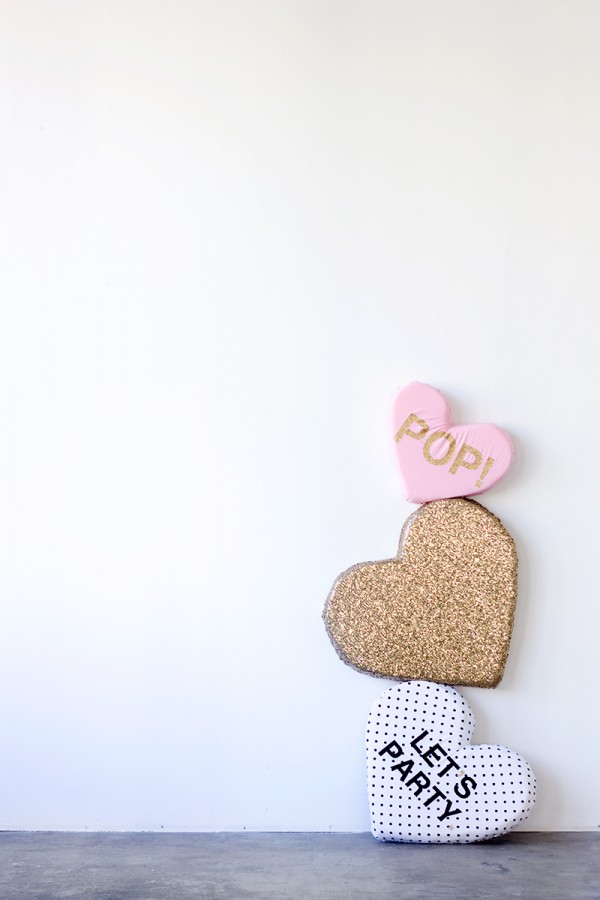 DIY-Plush-Conversation-Hearts-600x900