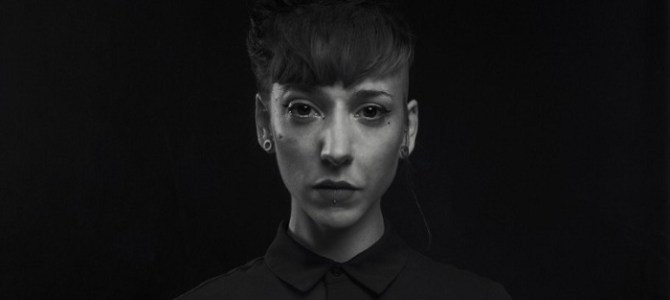 """Estrenamos en exclusiva el nuevo single de la artista nórdica Bonnie Li """"Mallory"""" y el remix realizado por Emmecosta."""