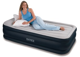 """Intex Deluxe Pillow Rest Raised Airbed with Soft Flocked Top for Comfort, Built-in Pillow and Electric Pump, Twin, Bed Height 16 3/4"""""""