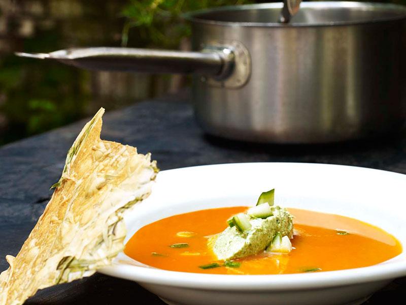 HM_Koude-soep-van-tomaat-en-wortel