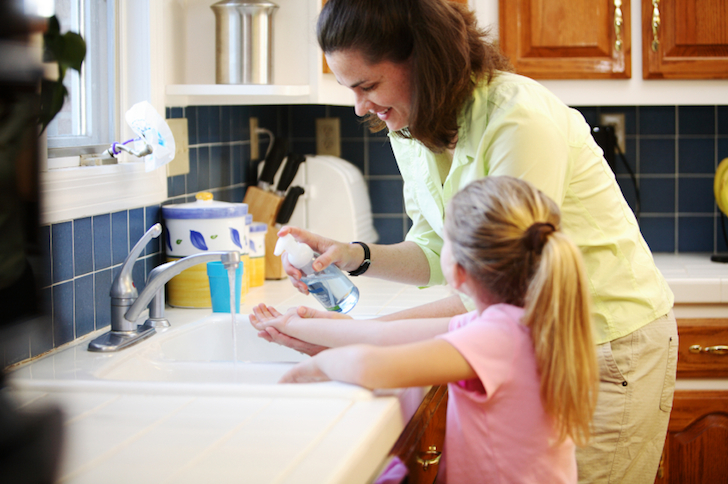 Seven Green Cleaning and Lifestyle Tips to Reduce Flu Risk