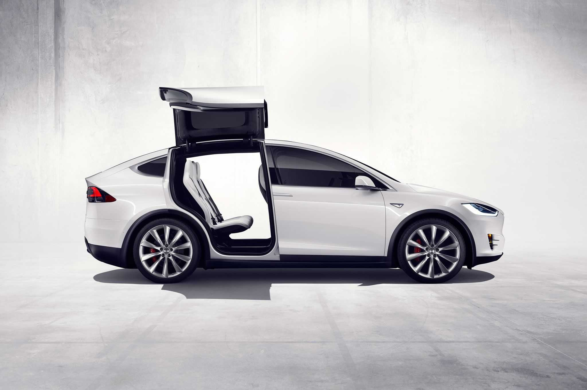 Tesla Model X Versus Jaguar F Pace Should Tesla Be Afraid
