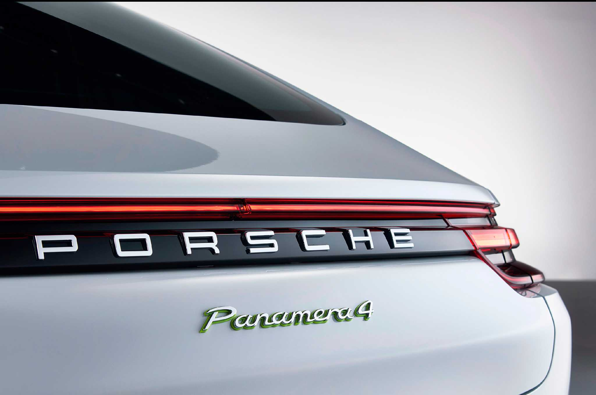 Porsche Panamera 4 E-Hybrid Revealed