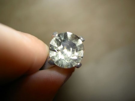 Short-Story-with-Moral-Lesson-diamond-ring-white