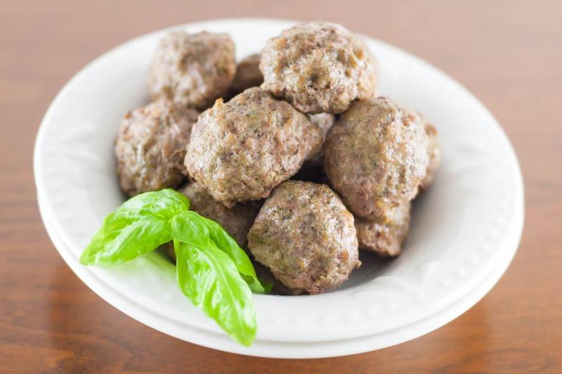 Pesto Meatballs + What I'm Eating on #Whole30 | YouShouldCraft.com #paleo