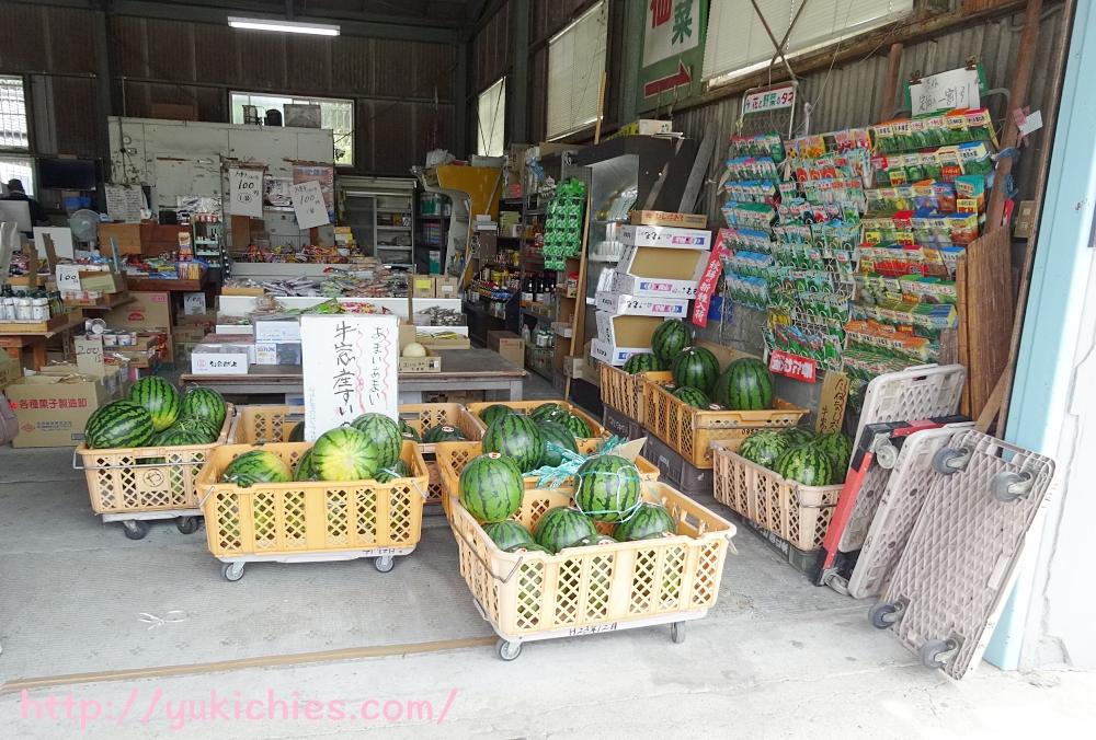 岡山県瀬戸内市牛窓 農家の野菜屋さんのスイカ
