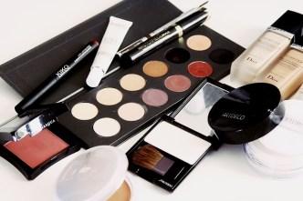cosmetics-1063134_640