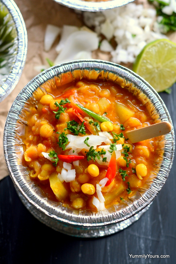 How to cook super nutritious Dried peas?, look no further; Ghugni Chaat, Popular Indian street food made with dried peas