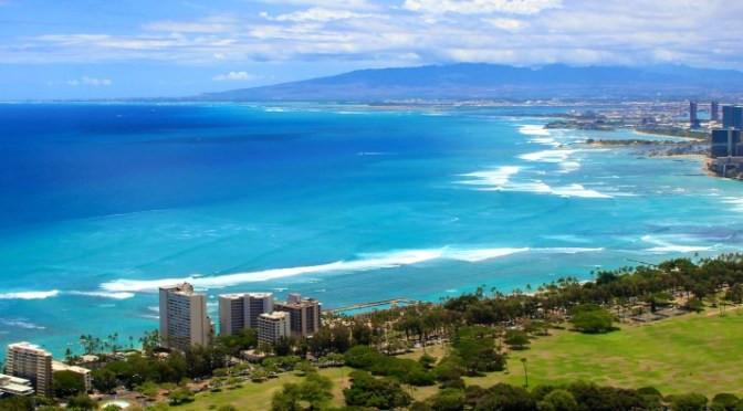 All around Oahu: Hiking Diamond Head