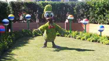 Donald topiary