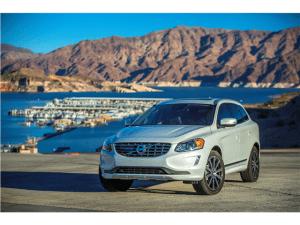 2015_Volvo_XC60_4
