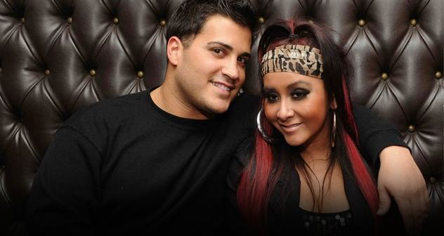 snooki-jionni-la-valle-sofa featured