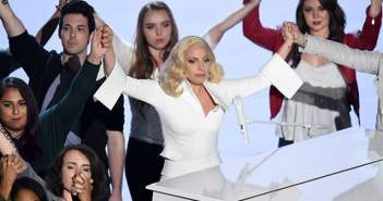 Lady-Gaga-Oscars-2016-performance