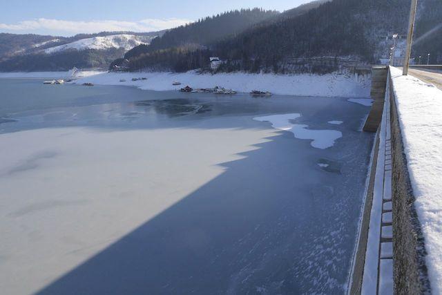 iarna pe lacul Bicaz
