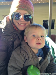 Dollywood pic of mommy and Case