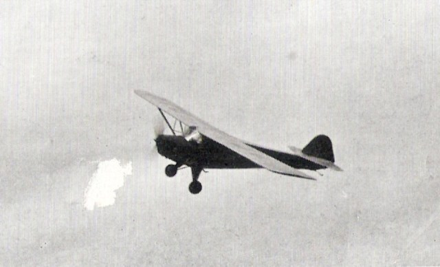 """מטוס """"פרימוס"""" בשמי הנגב"""