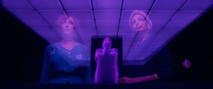 Ryan Goslings Regiedebut erinnert immer wieder an David Lynchs kryptische Meisterwerke. (Bild: zVg)