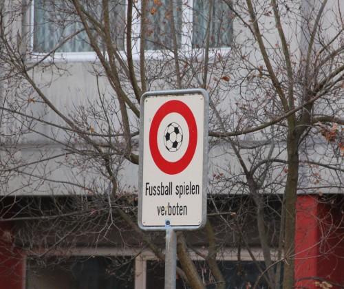 Fussballverbot Inselstrasse