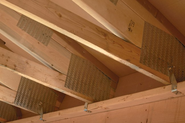 Raised heel trusses ensure a fully insulated attic for R-50 rating.